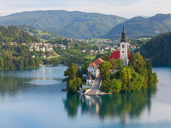Những thị trấn nhỏ đẹp nhất Châu Âu khiến bạn như lạc vào xứ thần tiên - hình ảnh 7