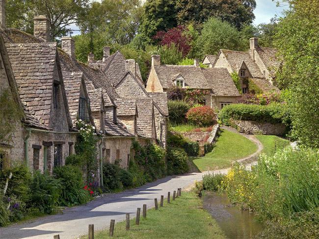 Những thị trấn nhỏ đẹp nhất Châu Âu khiến bạn như lạc vào xứ thần tiên - hình ảnh 9