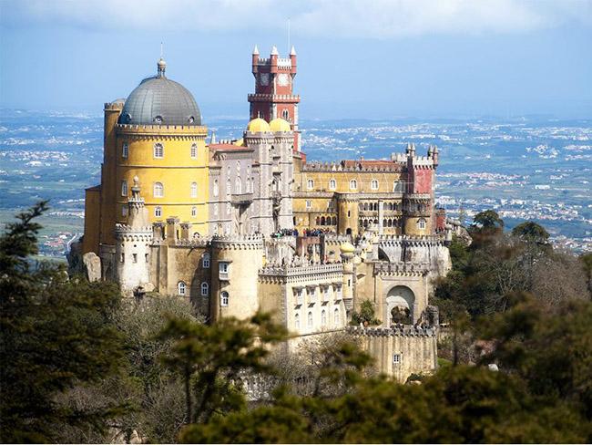 Những thị trấn nhỏ đẹp nhất Châu Âu khiến bạn như lạc vào xứ thần tiên - hình ảnh 12