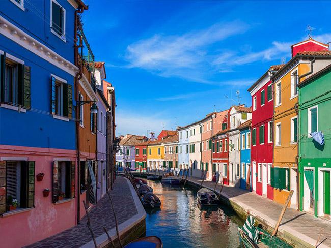 Những thị trấn nhỏ đẹp nhất Châu Âu khiến bạn như lạc vào xứ thần tiên - hình ảnh 13