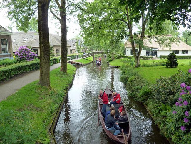 Những thị trấn nhỏ đẹp nhất Châu Âu khiến bạn như lạc vào xứ thần tiên - hình ảnh 14