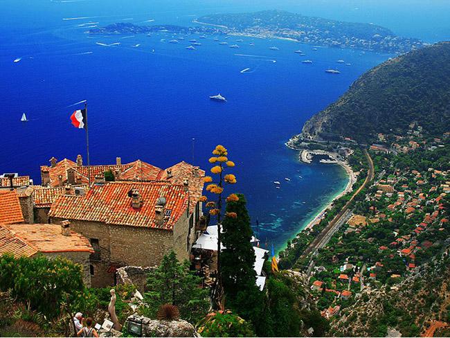 Những thị trấn nhỏ đẹp nhất Châu Âu khiến bạn như lạc vào xứ thần tiên - hình ảnh 15