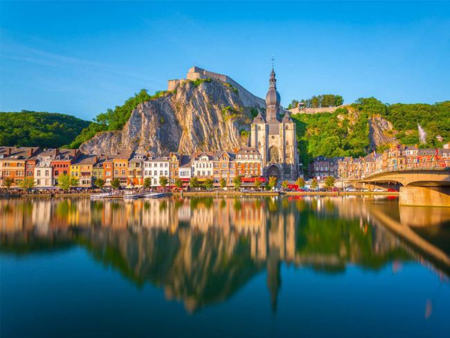 Những thị trấn nhỏ đẹp nhất Châu Âu khiến bạn như lạc vào xứ thần tiên - hình ảnh 19