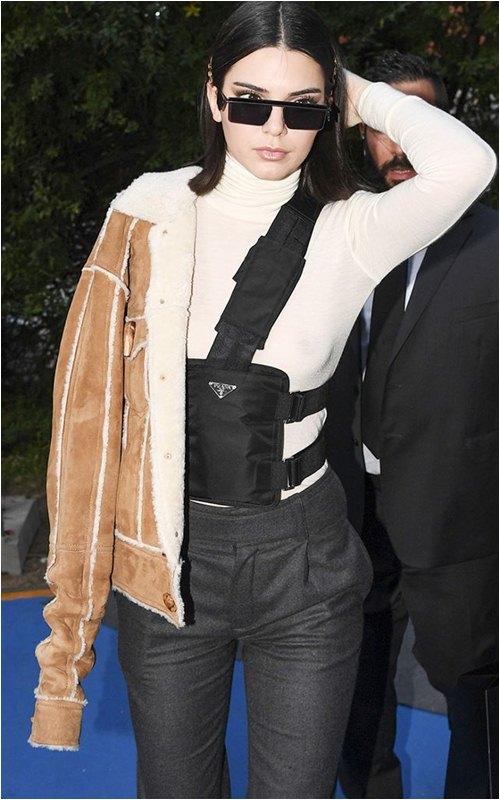 8 món đồ tủ mà nàng sành điệu nhất Hollywood mặc đi mặc lại mãi không chán - hình ảnh 1