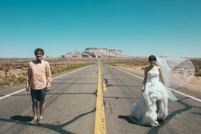 Phát hờn với bộ ảnh siêu cấp đáng yêu của cặp đôi đi khắp thế gian chụp ảnh cưới - hình ảnh 12