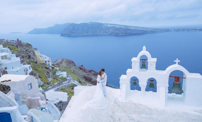 Phát hờn với bộ ảnh siêu cấp đáng yêu của cặp đôi đi khắp thế gian chụp ảnh cưới - hình ảnh 14