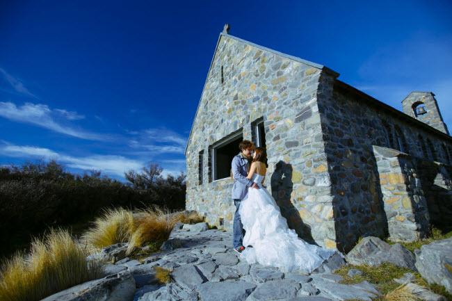 Phát hờn với bộ ảnh siêu cấp đáng yêu của cặp đôi đi khắp thế gian chụp ảnh cưới - hình ảnh 23