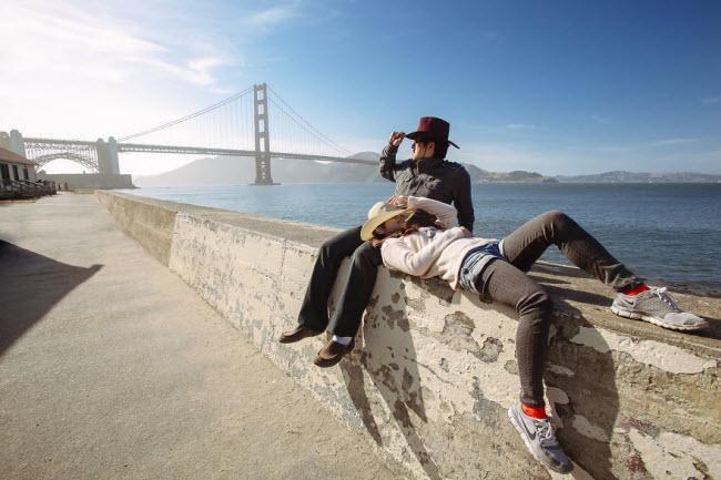 Phát hờn với bộ ảnh siêu cấp đáng yêu của cặp đôi đi khắp thế gian chụp ảnh cưới - hình ảnh 24