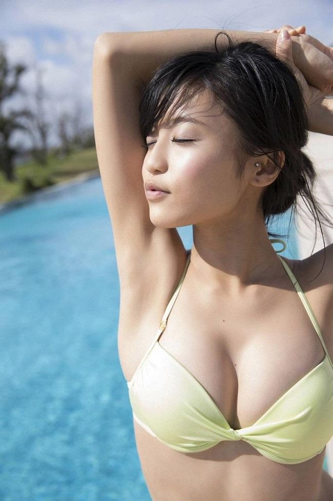 """5 chân dài nóng rực """"đốt cháy"""" tạp chí đàn ông Nhật Bản - hình ảnh 10"""