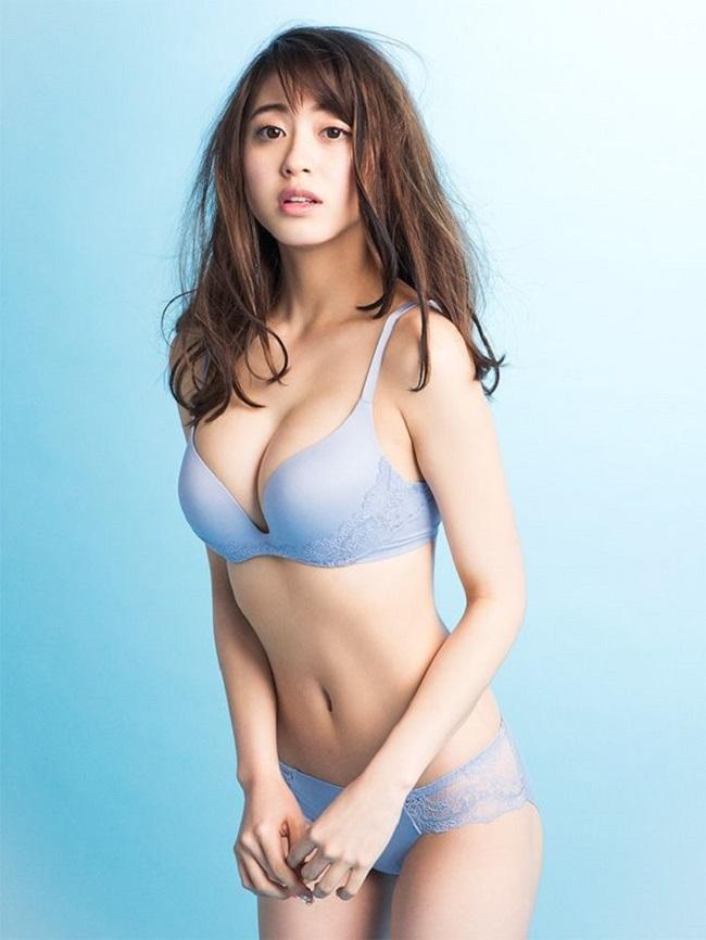 """5 chân dài nóng rực """"đốt cháy"""" tạp chí đàn ông Nhật Bản - hình ảnh 19"""