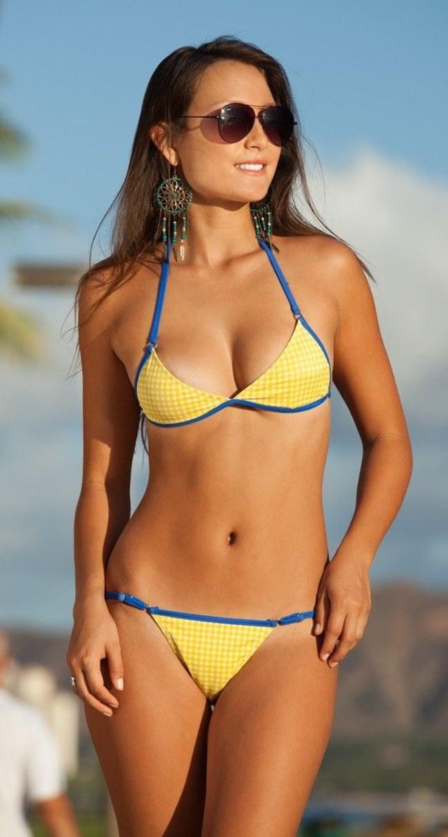 """Những """"thiên thần"""" da nâu sexy nghẹt thở trên bãi biển - hình ảnh 4"""