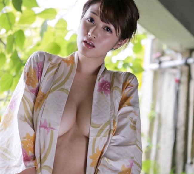 """Khó tin mỹ nhân Nhật gợi tình này đã bước sang tuổi """"băm"""" - hình ảnh 11"""