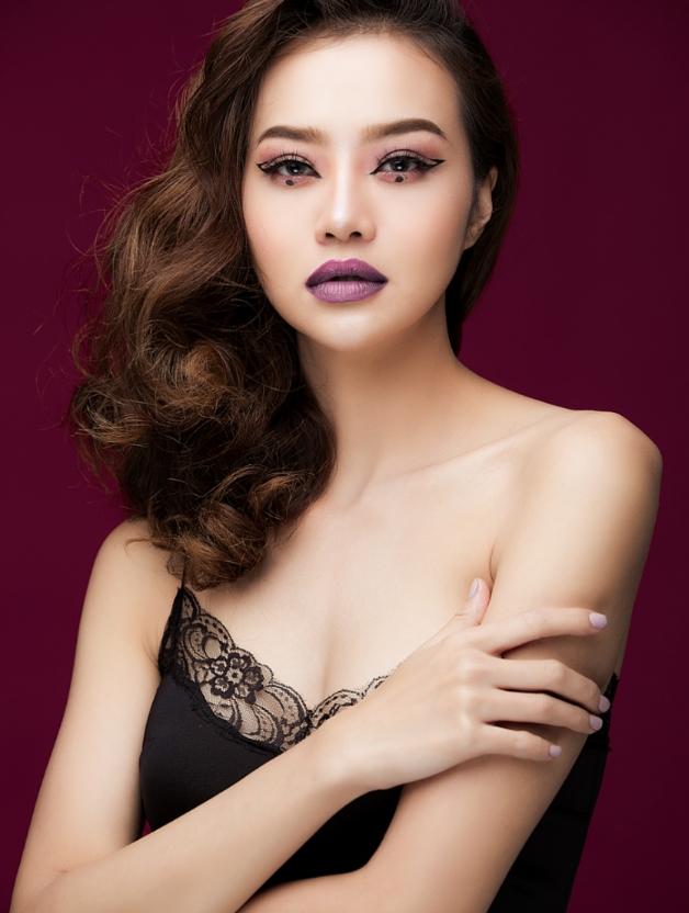 Hậu dao kéo, hoa hậu Việt này ngày càng tự tin khoe vòng 1 nóng bỏng - hình ảnh 1