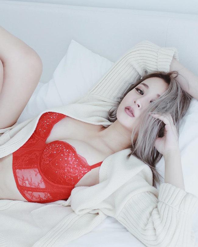 """Vẻ sexy """"bỏng mắt"""" của hot girl xinh đẹp bậc nhất Singapore - hình ảnh 3"""