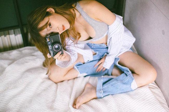 """Vẻ sexy """"bỏng mắt"""" của hot girl xinh đẹp bậc nhất Singapore - hình ảnh 12"""