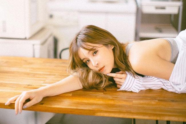 """Vẻ sexy """"bỏng mắt"""" của hot girl xinh đẹp bậc nhất Singapore - hình ảnh 15"""