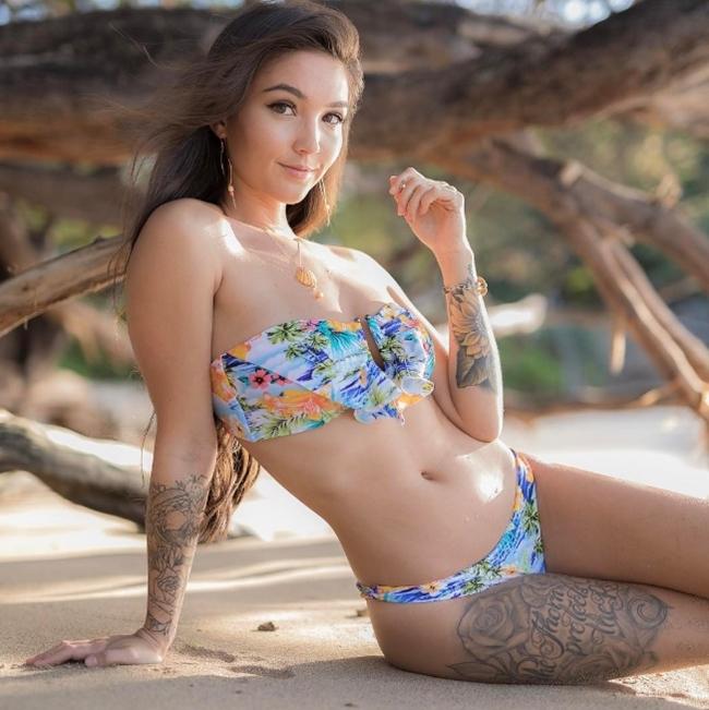 Người mẫu gốc Trung xinh hơn hoa hậu thích xăm mình chỗ hiểm - hình ảnh 8