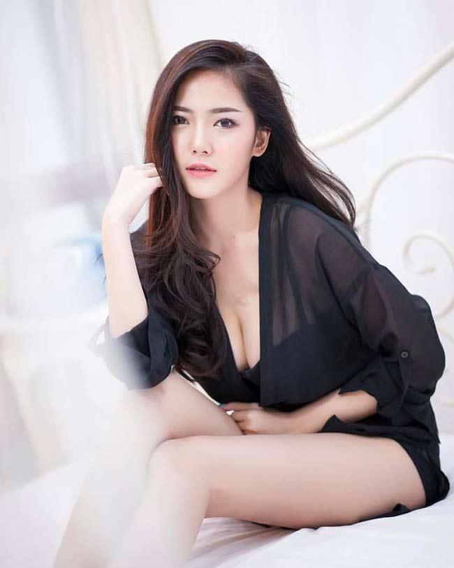 Điếng người ngắm hot girl châu Á lả lơi trong phòng ngủ - hình ảnh 7