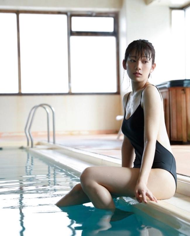Vòng eo 56 của mẫu nội y Nhật Bản khiến bao anh xin chết - hình ảnh 10