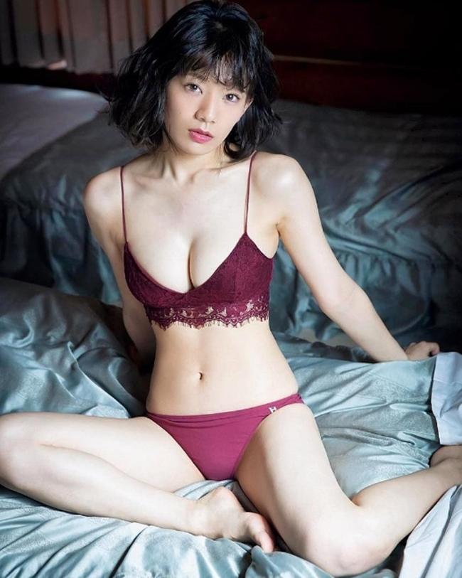 Vòng eo 56 của mẫu nội y Nhật Bản khiến bao anh xin chết - hình ảnh 9