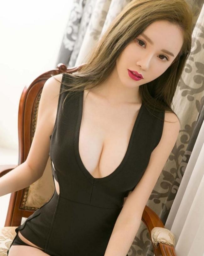 Kiều nữ phồn thực xứ Trung khổ sở vì chọn nhầm áo quá chật - hình ảnh 5