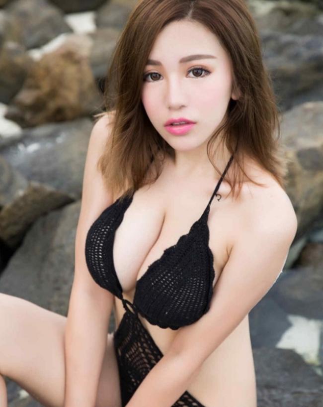 Kiều nữ phồn thực xứ Trung khổ sở vì chọn nhầm áo quá chật - hình ảnh 18