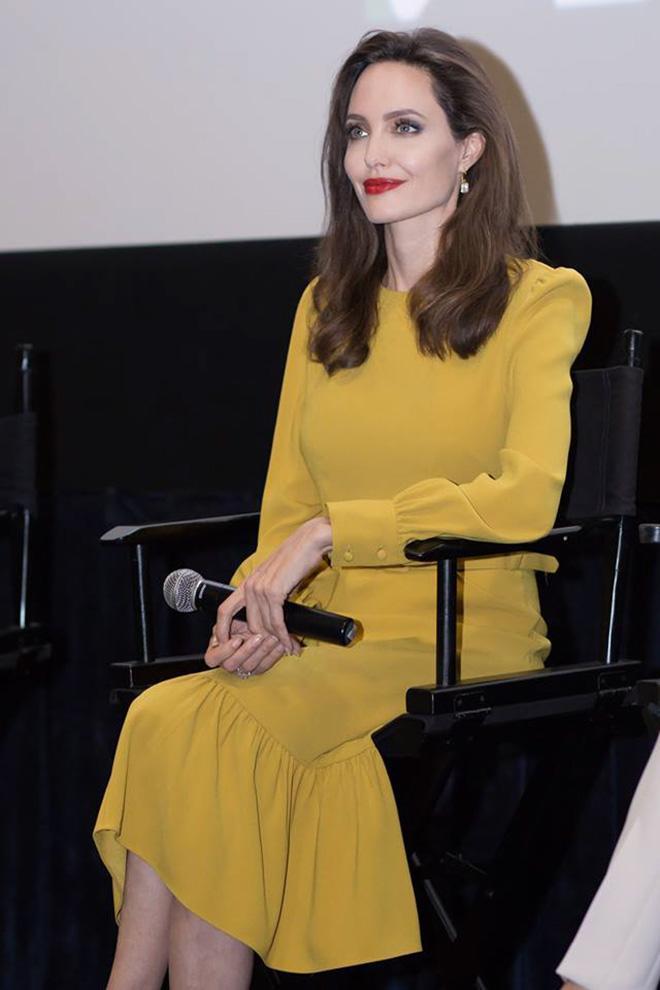 Em gái tỉ phú của Cẩm Ly gặp riêng Angelina Jolie tại LHP Mỹ - hình ảnh 2