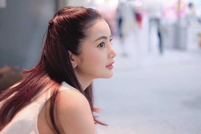 """Chẳng ngực """"khủng"""", cô gái Thái vẫn khiến bao anh xin chết vì đẹp như tiên - hình ảnh 11"""