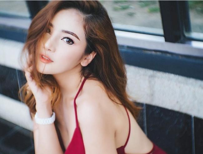 """Chẳng ngực """"khủng"""", cô gái Thái vẫn khiến bao anh xin chết vì đẹp như tiên - hình ảnh 18"""