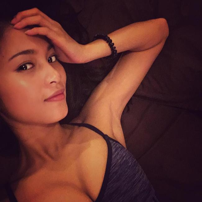 Bạn gái Johnny Trí Nguyễn: Từ vai trùm ma túy đến nữ hoàng cảnh nóng - hình ảnh 18