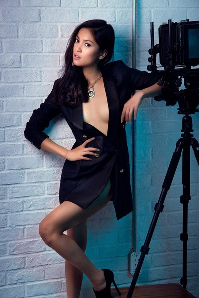 Bạn gái Johnny Trí Nguyễn: Từ vai trùm ma túy đến nữ hoàng cảnh nóng - hình ảnh 20