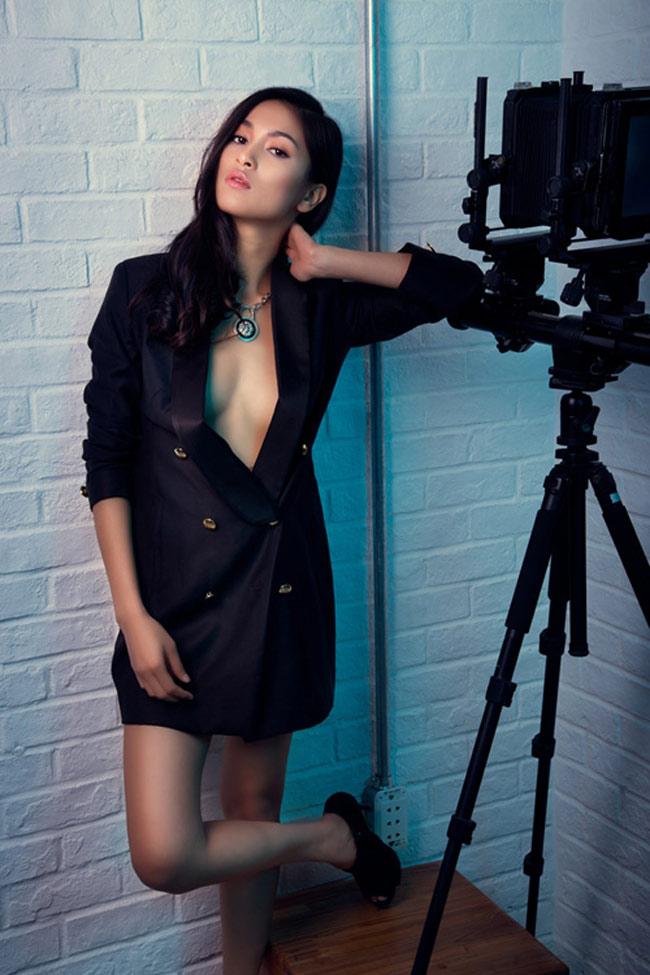 Bạn gái Johnny Trí Nguyễn: Từ vai trùm ma túy đến nữ hoàng cảnh nóng - hình ảnh 22