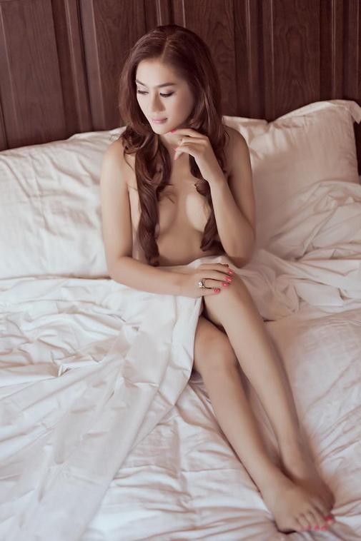 """Lâm Chí Khanh: """"Tôi sẽ mặc 8 váy cưới đính 10.000 viên pha lê trong hôn lễ tháng 12"""" - hình ảnh 4"""