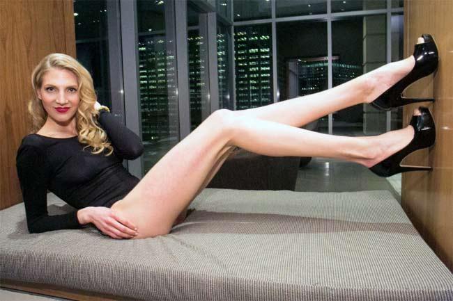 Choáng ngợp vì những cô gái có đôi chân dài nhất nhì thế gian - hình ảnh 4