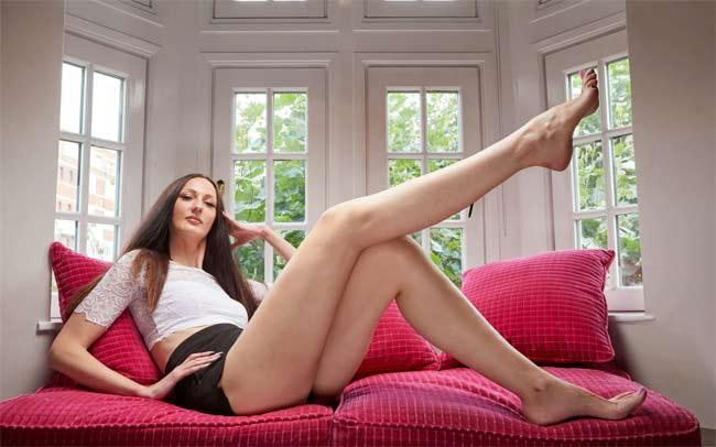 Choáng ngợp vì những cô gái có đôi chân dài nhất nhì thế gian - hình ảnh 14