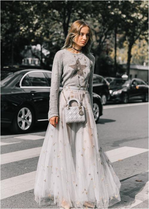 Mùa lạnh: Thời điểm hoàn hảo để diện váy dài - hình ảnh 11