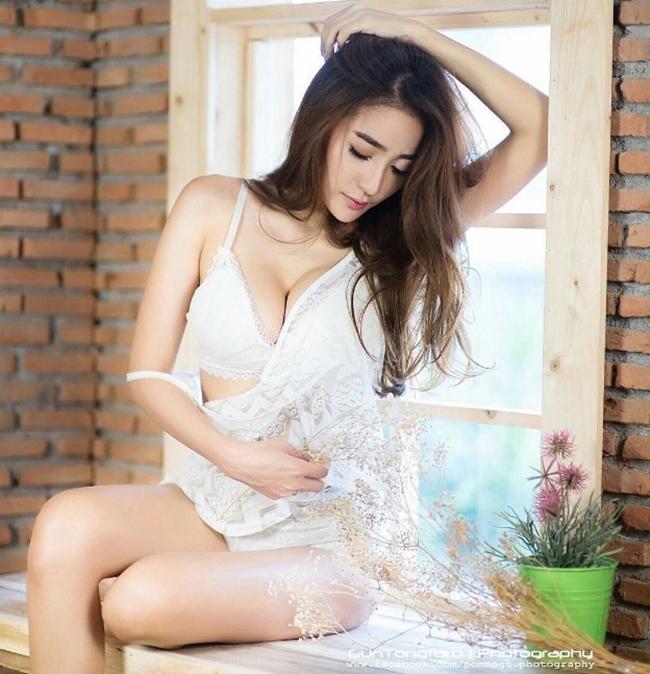 Nội y trắng muốt vừa tinh khôi vừa mời gọi của người đẹp châu Á - hình ảnh 17