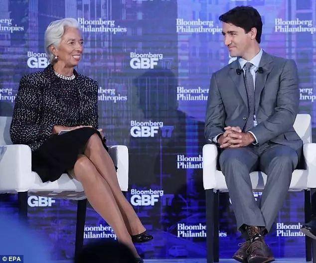 Bí mật sau những đôi tất kì lạ của Thủ tướng Canada điển trai - hình ảnh 1