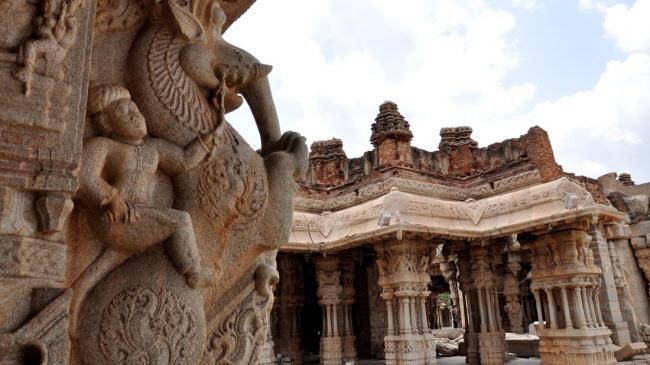Bí ẩn bên trong thành phố của vua và các vị thần ở Ấn Độ - hình ảnh 1