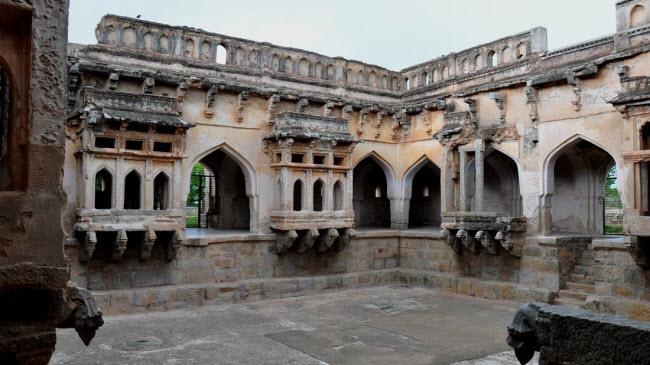 Bí ẩn bên trong thành phố của vua và các vị thần ở Ấn Độ - hình ảnh 18