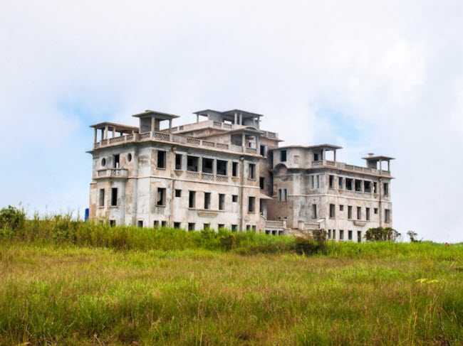 Bí ẩn đằng sau những khách sạn hạng sang bị bỏ hoang - hình ảnh 16