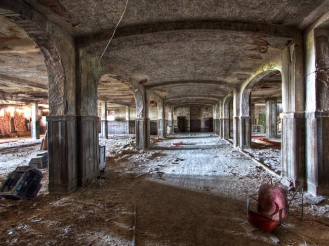 Bí ẩn đằng sau những khách sạn hạng sang bị bỏ hoang - hình ảnh 20
