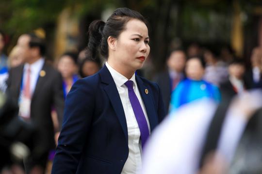 """Ngắm những """"bóng hồng"""" phục vụ tại APEC - hình ảnh 7"""