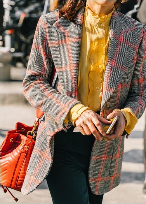5 bí kíp giúp dân công sở mặc đẹp hút mắt mùa đông này - hình ảnh 11