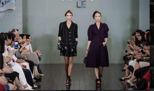 Thanh Mai U50 vẫn đẹp như tiên với váy trăm triệu đính ngàn viên pha lê - hình ảnh 14