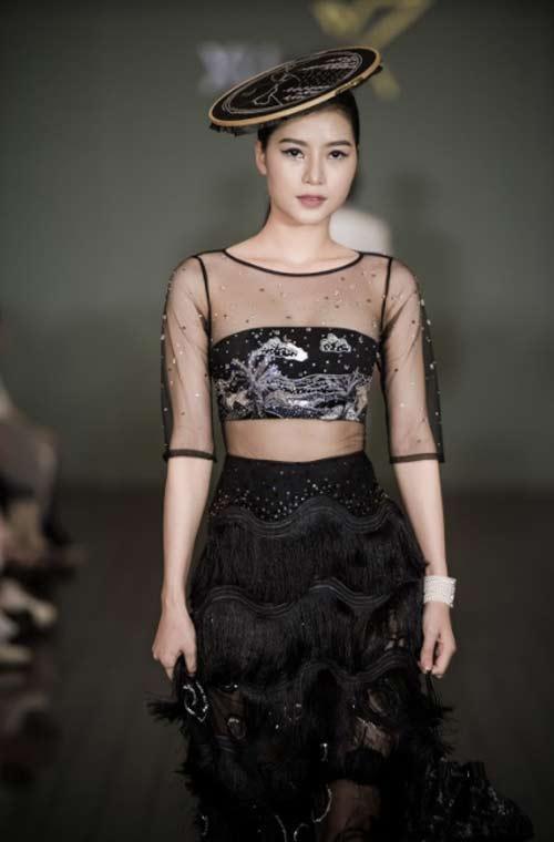 Thanh Mai U50 vẫn đẹp như tiên với váy trăm triệu đính ngàn viên pha lê - hình ảnh 17