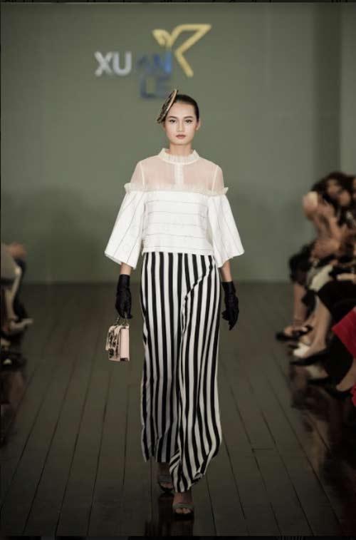 Thanh Mai U50 vẫn đẹp như tiên với váy trăm triệu đính ngàn viên pha lê - hình ảnh 7