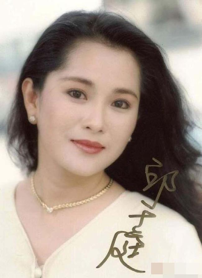 """Mỹ nhân """"Bao Thanh Thiên"""": Ai là người gợi tình nhất? - hình ảnh 9"""