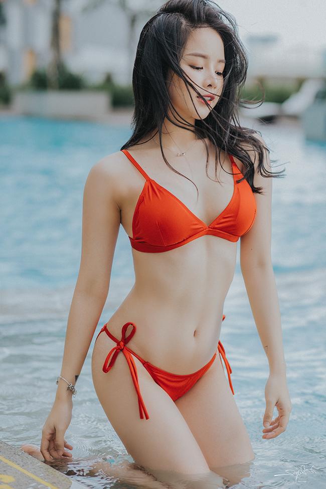 """Lần đầu hở bạo với bikini, """"Hoa hậu DJ"""" không dám đăng ảnh lên Facebook - hình ảnh 2"""