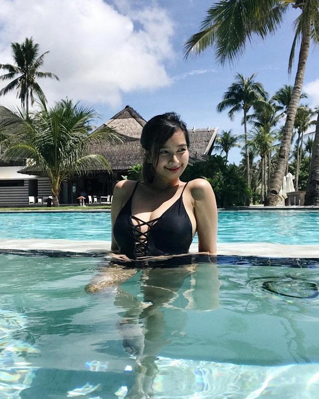 Ngây ngất thân hình phồn thực của nữ MC ảo hot nhất Philippines - hình ảnh 8